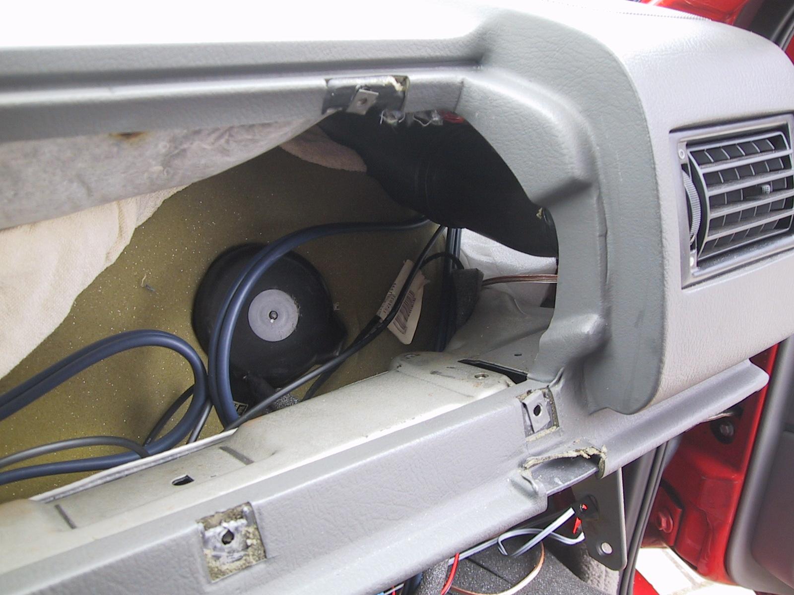 rubber bescherming kabel op de weg